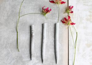3 wall vases speckled porcelain .. simple & straight - Marjoke de Heer Keramiek Atelier