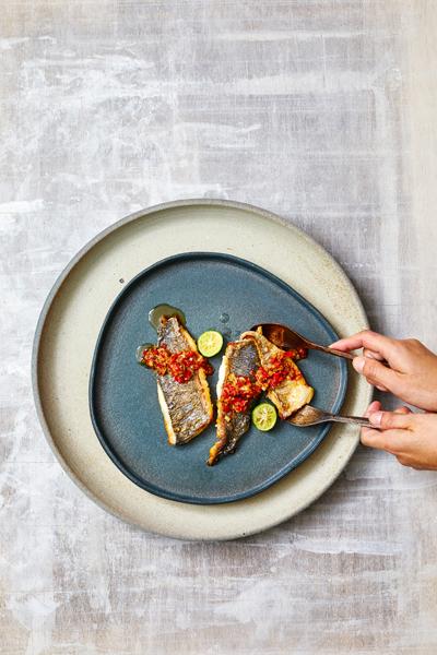 chef plates one of a kind & limited edition Keramiek Marjoke de Heer (fotografie Remko Kraaijeveld - food & styling Vanja van der Leeden)