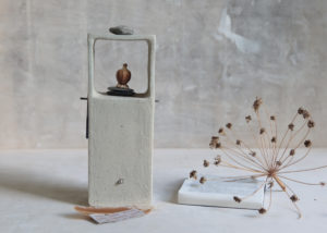 Little altar brick, pebble white - Marjoke de Heer Keramiek Atelier