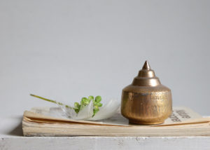 My little, little golden temple - Marjoke de Heer Keramiek Atelier