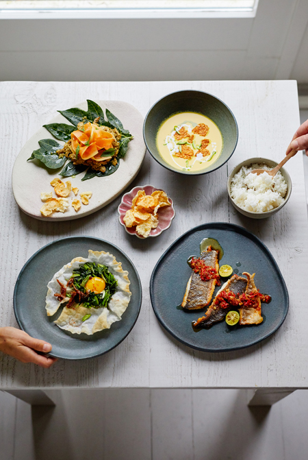 Serve & share your food - mix & match your tableware! Keramiek Marjoke de Heer (fotografie Remko Kraaijeveld - food & styling Vanja van der Leeden)
