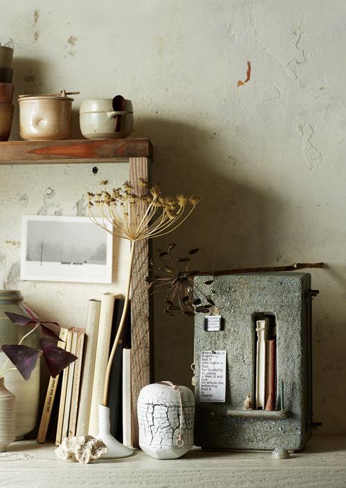 Keramiek Atelier Marjoke de Heer - huisaltaartje en little pot of memory to treasure small precious memories (fotografie Saskia van Osnabrugge - styling Maaike Koorman)