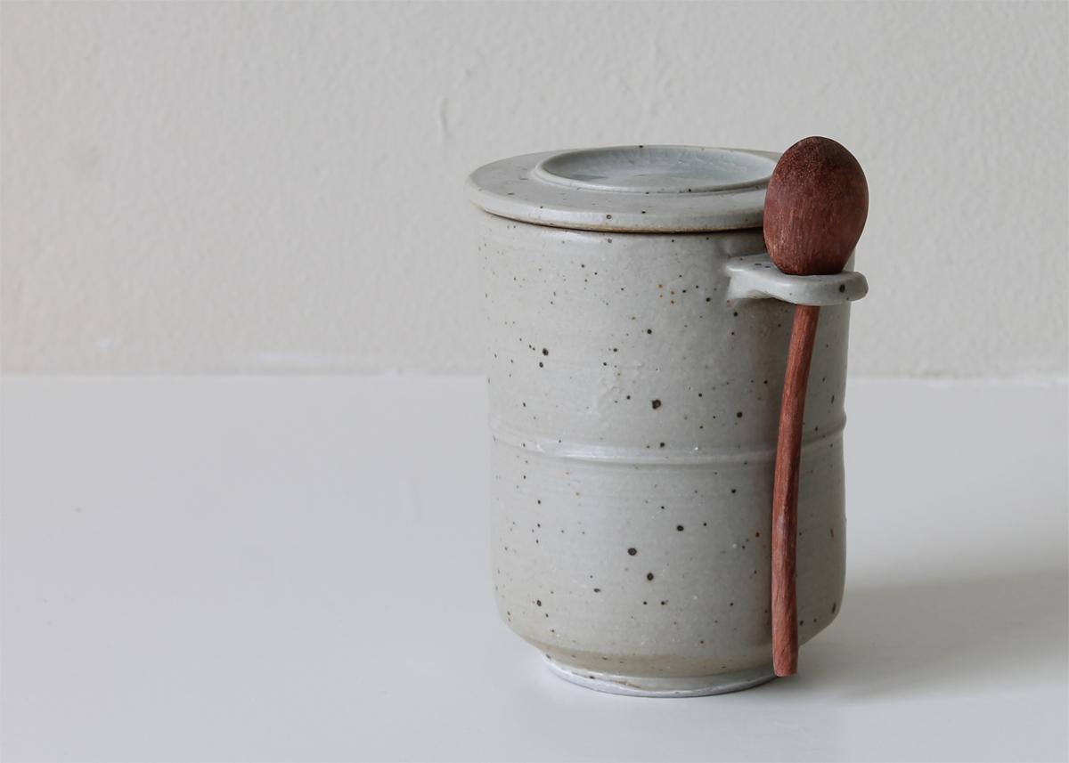 little storage pot ceramics Marjoke de Heer Amsterdam