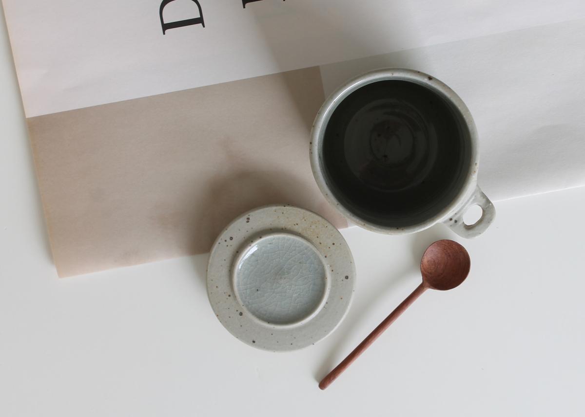 Little storage pot handmade ceramics Marjoke de Heer Amsterdam
