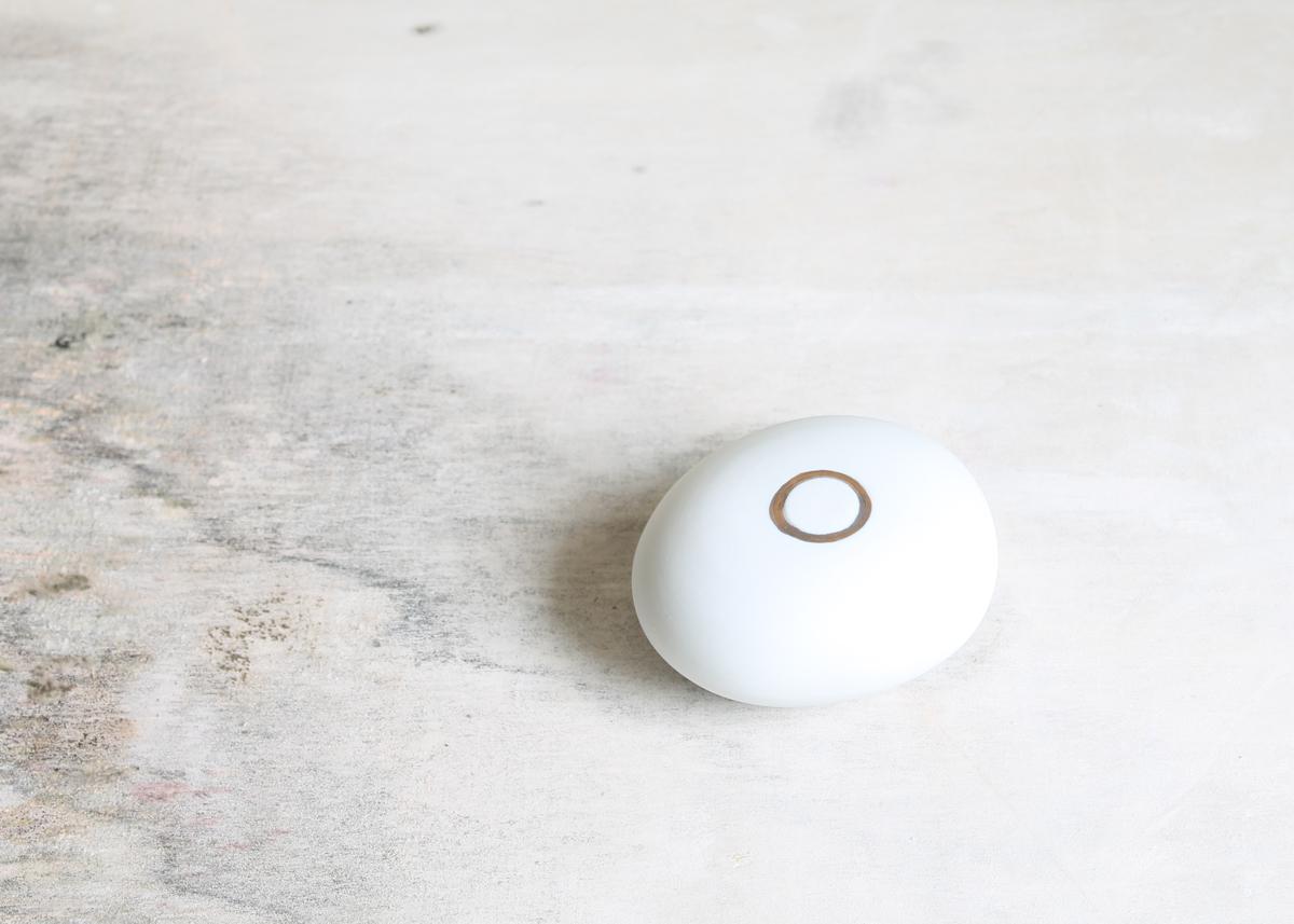 Mini urn More than a pebble - Marjoke de Heer Keramiek Atelier