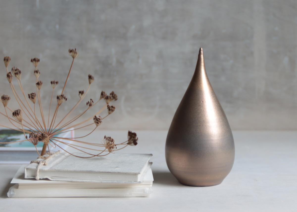 Mini urn Tender gold - Marjoke de Heer Keramiek Atelier