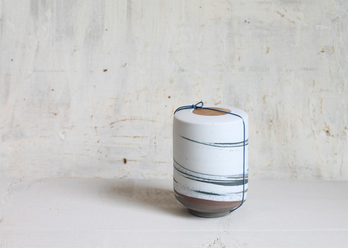 Mini urn A strike of heaven - Marjoke de Heer Keramiek Atelier