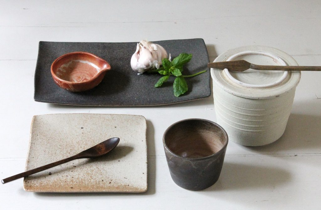 all kind of terra tableware - Marjoke de Heer
