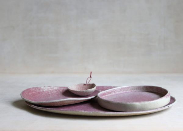 Servingplates that blossoms - Marjoke de Heer Keramiek Atelier