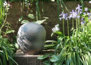 Urn seed and sun - Marjoke de Heer Keramiek Atelier