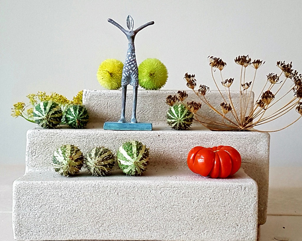 vaas-altaar object keramiek Marjoke de Heer
